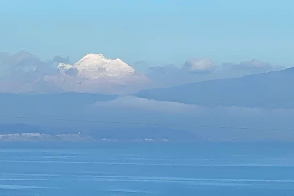 01-Camano-Island-Home-Cascades-View-Mt-Baker-1024-682