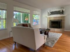 02-kirkland-finn-hill-home-living-room-1040-780