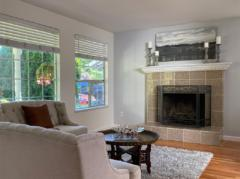 03-kirkland-finn-hill-home-living-room-fireplace-1040-780