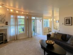 05-bothell-brookwood-condo-interior-living-1-1024-768