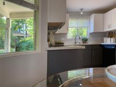 07-kirkland-finn-hill-home-kitchen-breakfast-nook-1040-780