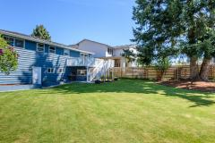 07-renton-home-sale-exterior-backyard