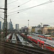 08-germany-transportation-frankfurt-trainstation-470-470