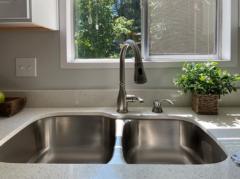 08-kirkland-finn-hill-home-kitchen-detail-1040-780