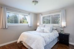 08-renton-home-sale-interior-masterbed-main
