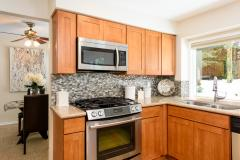 09-education-hill-redmond-home-kitchen