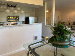 10-bothell-brookwood-condo-dining-kitchen-living-1024-768