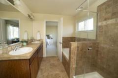 10-newcastle-home-masterbath-1024-683