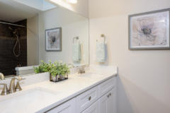 13-bothell-home-upstairs-bedrooms-bathrooms-1024-684