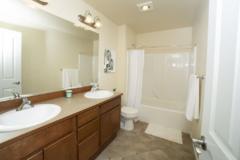14-newcastle-home-full-bath-1024-683