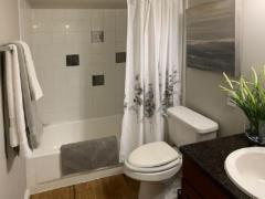 14 redmond wa condo bathroom