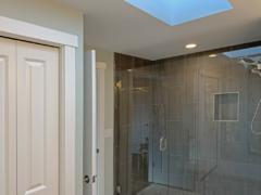 18 Bothell home upstairs master suite bathroom
