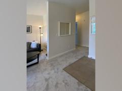 20-bothell-brookwood-condo-living-entry-vert-1024-768