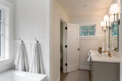 20-bothell-westhill-home-master-suite-1024-680