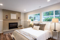 22-bothell-home-downstairs-family-bedroom-bath-1024-684