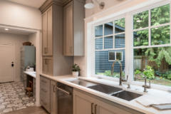 25-bothell-westhill-home-mud-room-1024-680