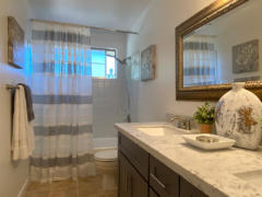 25-kirkland-finn-hill-home-full-bath-upstairs-1040-780