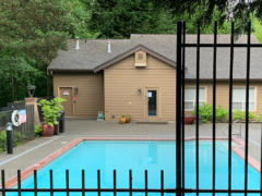 28-bothell-brookwood-condo-pool-1024-768