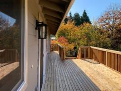 36 Bothell home deck backyard