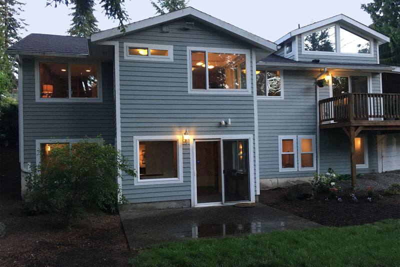 25-Bellevue-Meydenbauer-Home-For-Sale-exterior-dusk