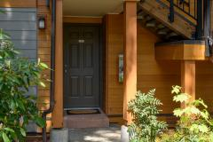 02-Bothell-Condo-Sale-front-entrance