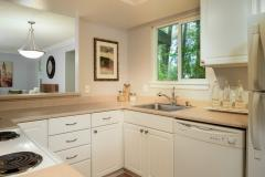 11-Bothell-Condo-Sale-kitchen