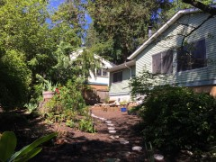 03-kingsgate-kirkland-home-for-sale-exterior-back