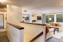 05-kingsgate-kirkland-home-for-sale-entry-living