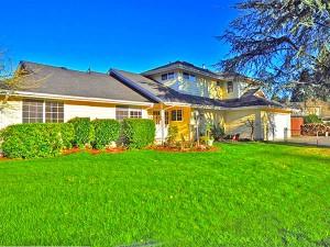 01-kirkland-home-for-sale-front-179