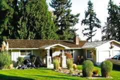 26-kirkland-short-sale-front-of-home