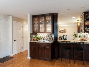 07-redmond-home-for-sale-family-room-kitchen