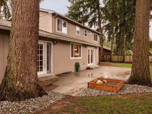20-redmond-home-for-sale-back-trees