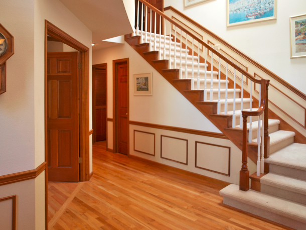redmond-novelty-home-room-stairwell-hallway-6534