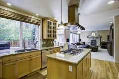 10-snohomish-clearview-home-for-sale-kitchen-family-room